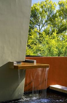 the sound of water.sounds like smart feng shui Landscape Elements, Landscape Design, Small Gardens, Outdoor Gardens, Feng Shui, Modern Fountain, Water Spout, Water Walls, Water Features In The Garden