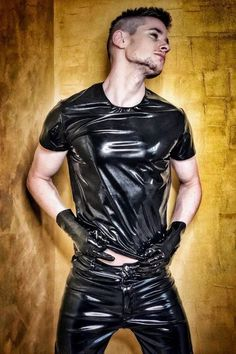 Smooth Shiny Pimp - When I dominate you get hurt. I show no mercy AT ALL Mens Leather Pants, Tight Leather Pants, Men's Leather, Leather Jackets, Mode Latex, Unisex Clothes, Unisex Outfits, Latex Men, Lycra Men