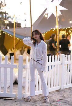 Kim So Hyun Cosmopolitan 2018 July behind cut Child Actresses, Child Actors, Korean Actresses, Korean Actors, Actors & Actresses, Korean Beauty, Asian Beauty, Kim Son, Kim Yoo Jung