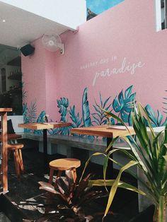 Another day in vegan paradise: KYND | WE LIKE BALI Restaurant Interior Design, Shop Interior Design, Cafe Design, Store Design, Bali Restaurant, Cafe Wall, Café Bar, Coffee Shop Design, Mural Wall Art