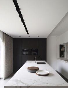 Kitchen - Residence in Belgium by Mieke van Herck Kitchen Room Design, Modern Kitchen Design, Home Decor Kitchen, Interior Design Kitchen, Home Kitchens, Küchen Design, Home Design, Design Ideas, Kitchen Cabinet Styles