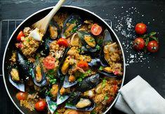 mydopilafo me pligouri ediva. Happy Foods, Kung Pao Chicken, No Cook Meals, Paella, Ethnic Recipes, Cooking Food, Kitchens