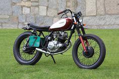 Cafe Racer Obsession: LITTLE BUFFALO. Customización de una Yamaha SR125.