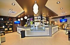 For developing modern interior design of coffe shop and bar, Marchi Interior Design offers made in italy and custom-made projects. Discover our services!