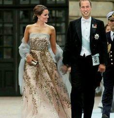 Duke & Duchess of Cambridge Kate Middleton Outfits, Kate Middleton Stil, Kate Middleton Prince William, Kate Middleton Photos, Prince William And Catherine, William Kate, Kate Midletton, Princesa Kate Middleton, Royal Fashion