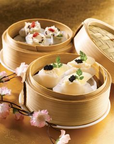 Restaurant at 5 star hotel: Sheraton Towers Singapore Hotel. This hotel's address is: 39 Scotts Road Orchard Singapore 228230 and have 420 rooms Dim Sum, Sushi Recipes, Asian Recipes, Chinese Food Restaurant, Food Menu Design, Hotel Food, Viet Food, Recipes From Heaven, Food Crafts