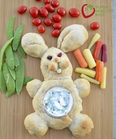 Oh, this bread bunny is too cute!! Perfect for our Easter party. http://www.superhealthykids.com/veggie-bunny-tray/