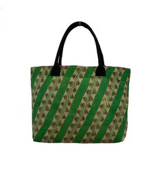 Kantha Hand Bag made from Kantha stitches screen printed cotton fabric Cotton Kantha Quilt, Quilts, Kantha Stitch, Market Bag, Large Bags, Bag Making, Printed Cotton, Shopping Bag, Shoulder Bag
