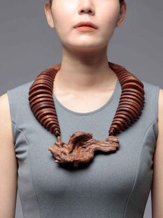 Nadya Fedotova, BA 2014, CNC Driftwood , 2014, necklace, CAD design, CNC milling, oak wood, spruce wood, glass beads, silver, 300 x 210 x 50 mm, photo: Nadya Fedotova