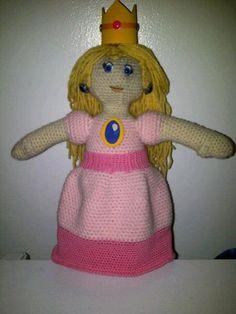 Crocheting: Princess Peach