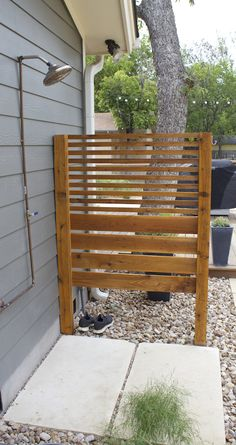32 beautiful DIY outdoor shower ideas: creative designs & plans on how to build easy garden shower enclosures with best budget friendly kits & fixtures! – A Piece of Rainbow outdoor projects, backyard, landscaping, Outdoor Pool Shower, Outdoor Shower Enclosure, Outdoor Baths, Outdoor Bathrooms, Outdoor Rooms, Outdoor Living, Outdoor Decor, Outdoor Shower Fixtures, Rustic Outdoor
