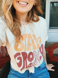 Vintage Inspired Stay Groovy Peace Sign Graphic Tee Natural Vintage Inspired Peace Out Groovy T-shirt - Graphic Shirts - Ideas of Graphic Shirts - stay groovy tee Hippie Style, My Style, Bohemian Hippie Clothes, 70s Hippie, Boho Clothing, Bohemian Fashion, Fashion Goth, Fashion Black, Bohemian Style