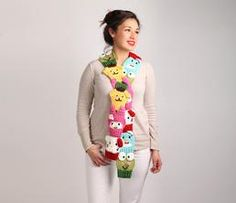 Hello Kitty and Friends Scarf: Classic