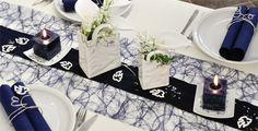 Dunkel-Blau mit Taschen-Vasen
