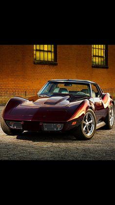 Sexy '76 Corvette Stingray