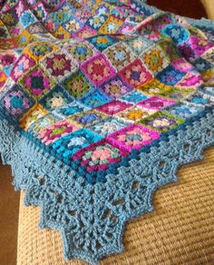 Pretty Photo of Crochet Granny Square Blanket Pattern Crochet Granny Square Blanket Pattern Lovely Frilly Border Maybe For My Circle In Square Blanket Crochet Motifs, Crochet Quilt, Crochet Blocks, Crochet Borders, Crochet Home, Crochet Crafts, Crochet Curtains, Filet Crochet, Point Granny Au Crochet