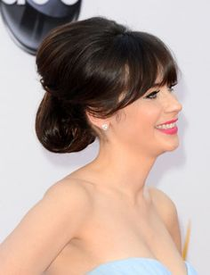 Get The Looks: Zooey Deschanels Amazing Emmys Makeup, Hair & Mani - Daily Makeover