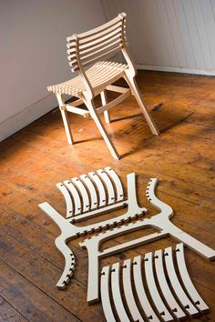 An example of a constructed and deconstructed Tupac chair