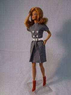 Barbie a Porter: Molde para Barbie - Vestido com Prega Única