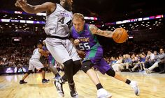 "Jason Williams out six-to-eight months after injury at Big 3 = Former NBA point guard Jason Williams was notably in line to become one of the stars of the new 3-on-3 basketball league, the Big 3. However, it appears as though ""White Chocolate's"" tenure as....."