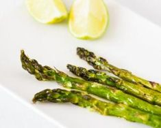Recipe Round Up: 15 Of The Easiest Sous Vide Recipes For Beginners Ways To Cook Asparagus, Grilled Asparagus, Asparagus Recipe, Sous Vide Vegetables, Fresh Fruits And Vegetables, Veggies, How To Cook Polenta, Healthy Side Dishes, Healthy Snacks