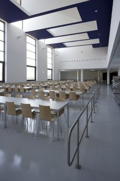 University Canteen and Restaurant / LGLS Architects  (5)