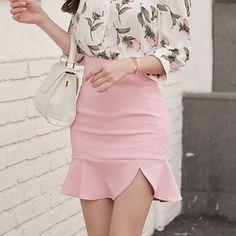 Yilda Ruffle-Hem Mini Skirt Pencil Cut Skirt, Korean Skirt, Short Skirts, Mini Skirts, Spring New, Slim Waist, Fashion Boutique, Dress Skirt, Ballet Skirt
