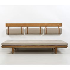 Preben Fabricius et Jorgen Kastholm/cph Banquet Seating, Booth Seating, Bench Furniture, Furniture Design, Wall Bench, Kitchen Benches, Perriand, Dining Nook, Ottoman Bench
