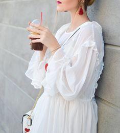 Všetko čo potrebuješ v jarnom šatníku White Dress, Ruffle Blouse, Tops, Dresses, Women, Style, Fashion, Vestidos, Swag