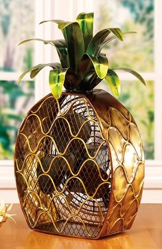 #TCIFAVORITES 33 | TheChicItalian | My favorites of the week - DecoBREEZE Pineapple Figurine Fan via Nordstrom