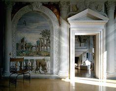 Ars longa, vita brevis | Путь искусства долог - Андреа Палладио - законодатель архитектурной моды. На вилле Барбаро к реальной архитектуре Палладио добавилась и нарисованная — фрески Паоло Веронезе.