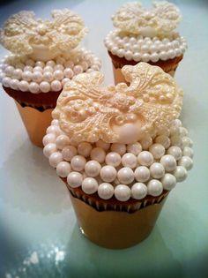 Crown Cupcake Connie Dos Santos Of Connie Cupcake Http