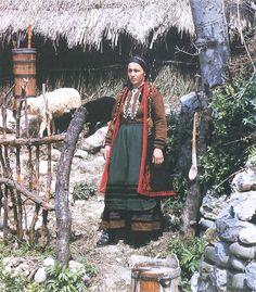 Albanian Folk Costumes - Veshje Popullore Shqiptare. Orthodox woman dress. Rreza e Tepelenës. End of XIX century.