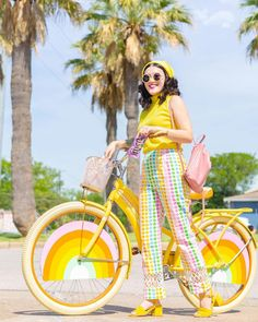 Cycle Chic, Quirky Fashion, Things To Think About, Lawn, Autumn Fashion, Dressing, Street Style, Couture, How To Wear