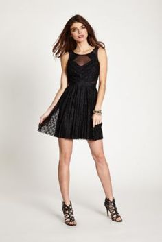 Sleeveless Crinkle Floral Lace Dress | GUESS.ca