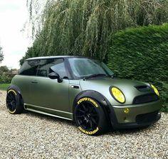 Mini Cooper Clubman, Mini Countryman, Mini Coper, Mini Cooper Custom, Suzuki Swift Sport, Mini Morris, Classy Cars, Mini Me, Amazing Cars