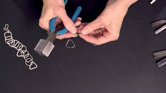How to Use the Wubbers® Triangular Mandrel Pliers - Fire Mountain Gems and Beads