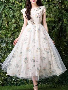 Ericdress offering cheap maxi dresses is worth your visit. Good quality maxi dresses for women on sale here, such as white floral long maxi dresses with sleeves. Western Dresses For Women, Frock For Women, Long Gown Dress, Frock Dress, Chiffon Dress Long, Stylish Dresses, Casual Dresses, Maxi Dresses, Frock Fashion