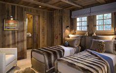 Luxury Winter Ski Chalet in Chamonix, France Chalet Chamonix, Alpine Chalet, Ski Chalet, Chalet Chic, Chalet Style, Chalet Design, House Design, Design Design, Ski Decor