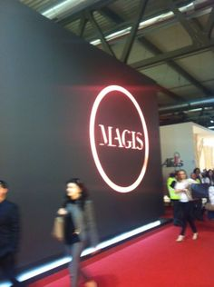 Stand Magis