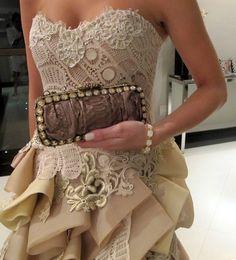 Vestido de festa,renda renascença, inspiração  romântico. Candy colors. Martha Medeiros.