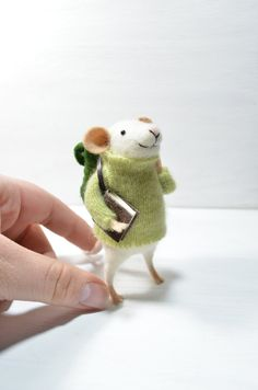 Oh my goodness, I love him!  I can't wait to start felting!  Little Traveler Mouse - needle felted ornament animal