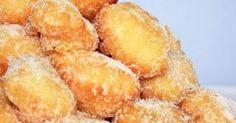 Ingrédients :  3 Jaunes d'oeufs  Farine : 250 g  Sucre (+ pour l'enrobage) : 50 g  Levure chimique : 1 sachet  Lait : 25 cl  Huile neu...