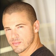 Buzz cut is so much better with stubble Mens Hairstyles Fade, Haircuts For Men, Cool Hairstyles, Buzz Cut For Men, Short Hair Cuts, Short Hair Styles, Bald Men Style, Stubble Beard, Bald With Beard