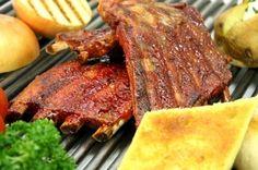 Parrillada Argentina es una de las pasiones más extendidas de su pueblo. El asado es la cocción de distintas partes de carne de la vaca a las brasas. - JM