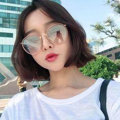 ✧ cabelo curto com franja, garotas de cabelo curto, meu cabelo, cabelo li. Ulzzang Korean Girl, Cute Korean Girl, Cute Asian Girls, Aesthetic People, Aesthetic Girl, Short Bob Hairstyles, Girl Hairstyles, Korean Short Hair, Shot Hair Styles