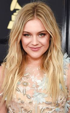 Kelsea Ballerini with a lovely make-up! Good bridal inspiration as well! #Grammys