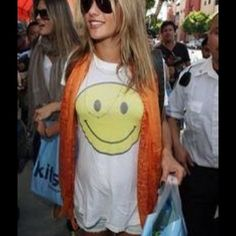 ❗️ISO❗️WILLDFOX OVERSIZED SMILEY FACE TEE This was made years ago so I know it's a long shot. If you know where I can buy this tee please comment below! Thank you! ❗️This is  ISO listing. NOT FOR SALE❗️ Wildfox Tops