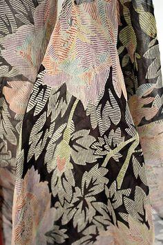 Tea Gown - detail - 1926 - by Jessie Franklin Turner (American, - Silk Tea Gown - detail - 1926 - by Jessie Franklin Turner (American, - Silk Textiles, Textile Patterns, Textile Prints, Textile Design, Flower Patterns, Print Patterns, Color Patterns, Pattern Ideas, Motif Floral