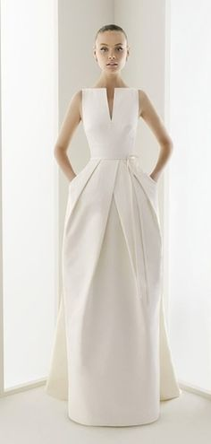 Wedding gown with pockets and a sleek, modern look. Beautiful Gowns, Beautiful Outfits, Beautiful Lines, Glamour, Mode Inspiration, Dream Dress, Pretty Dresses, Dress To Impress, Wedding Gowns
